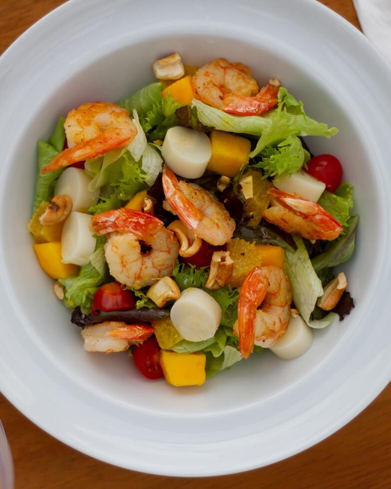 Salada de Camarão Tropical